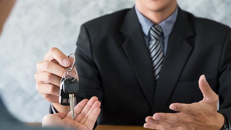 Jak neprohloupit při půjčení auta v zahraničí