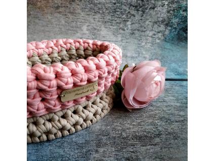 Háčkovaný košík malý - růžové / červené odstíny