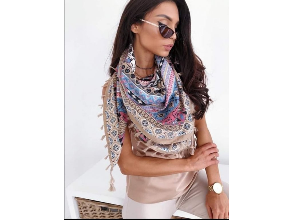 šátek hnědý