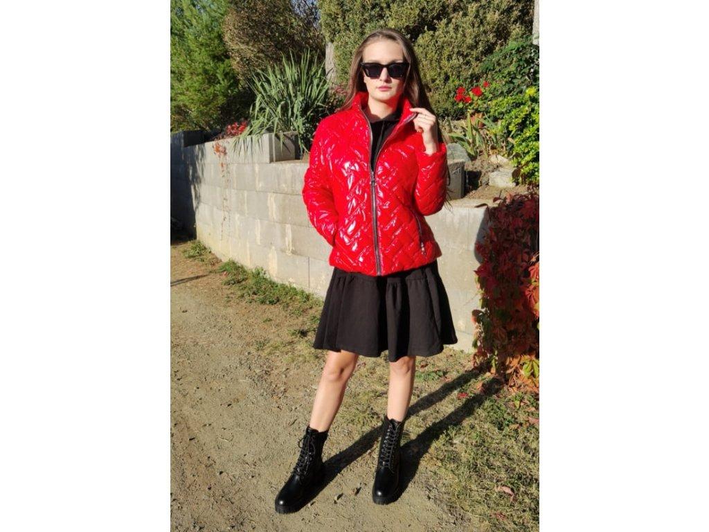 Dámská prošívaná bunda lesklá červená