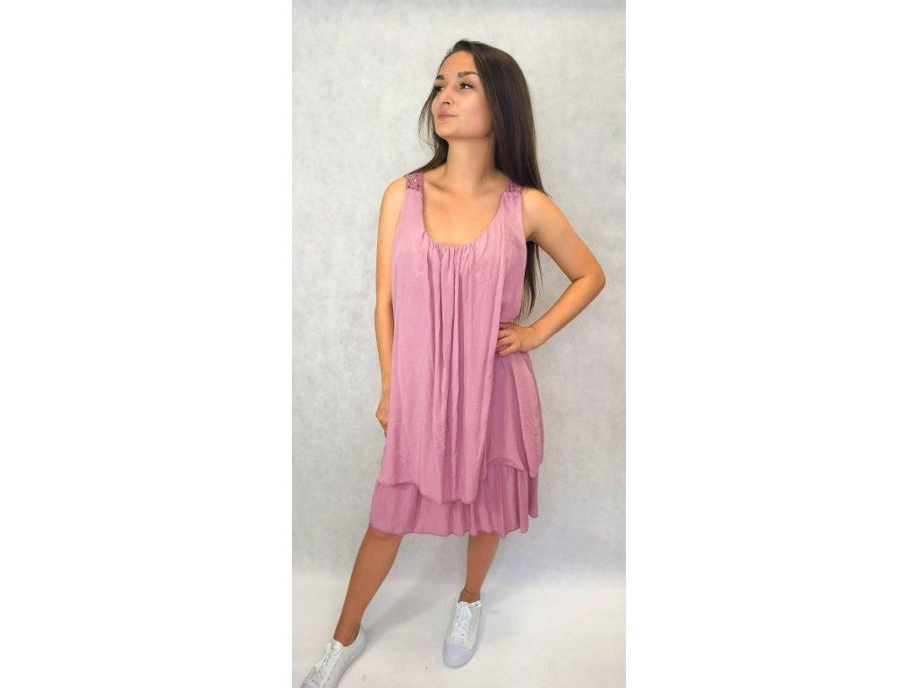 Šaty s krajkou na zádech růžové