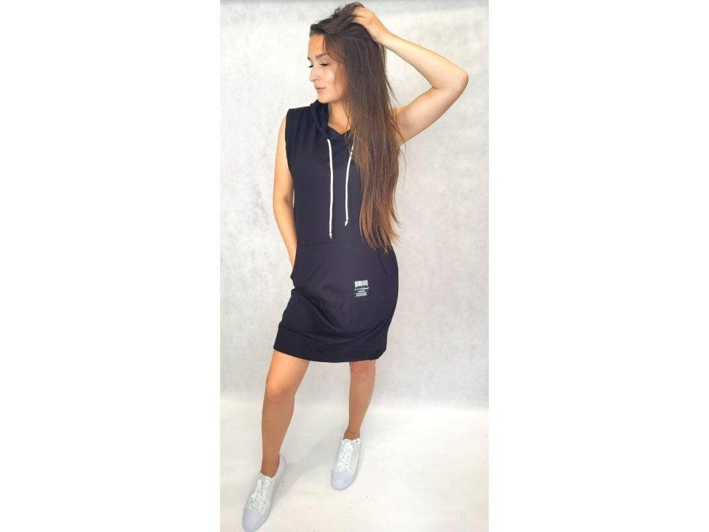 Bavlněné šaty s kapucí černé