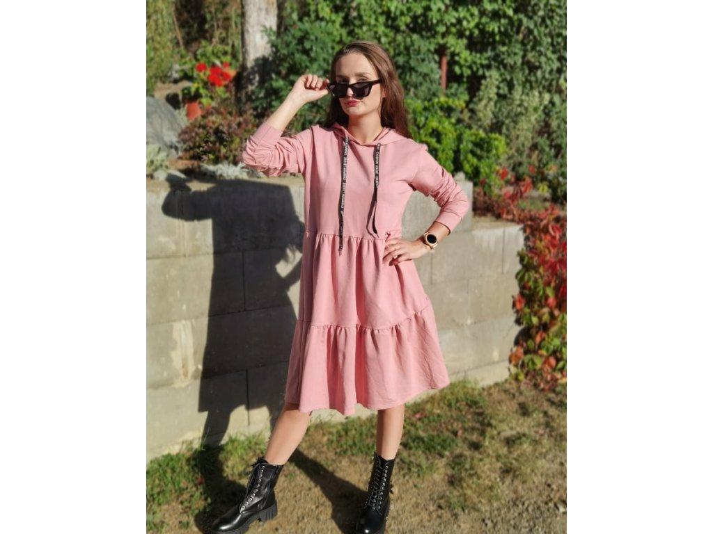 šaty růžové.