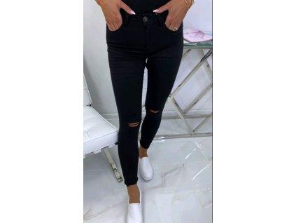kalhoty černé.