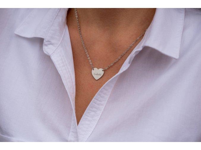 Náhrdelník srdce s TEXTEM/INICIÁLOU na přání  chirurgická ocel, dárkově zabaleno