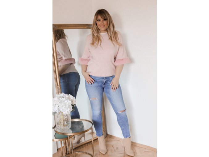 Růžový svetr s kožešinovými rukávy (Veľkosť XXL/XXXL)