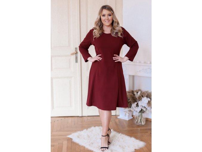Vínové šaty áčkového střihu