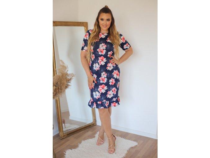 Tmavě-modré šaty s červenými květinami a volánem na sukni (Veľkosť XXXXL)