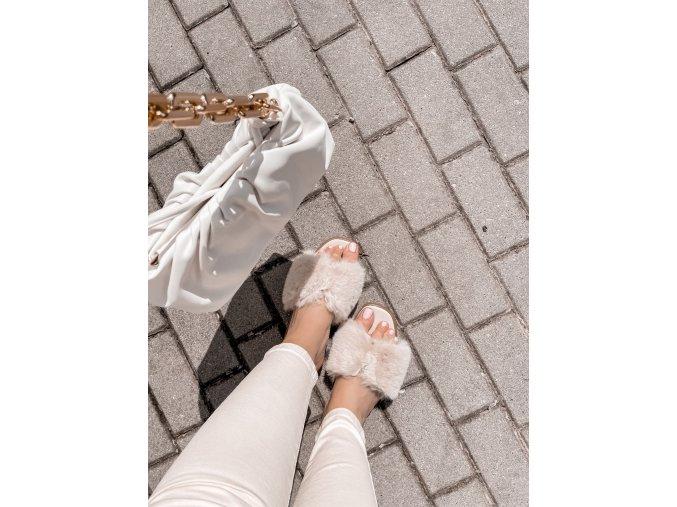 Béžové pantofle s umělým kožíškem (Veľkosť 41)