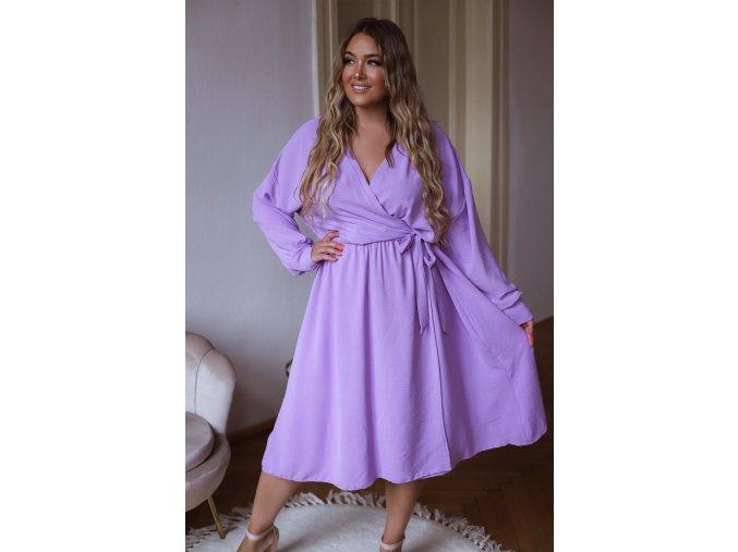 Fialové šaty se zavinovacím efektem (Veľkosť XL/XXL)