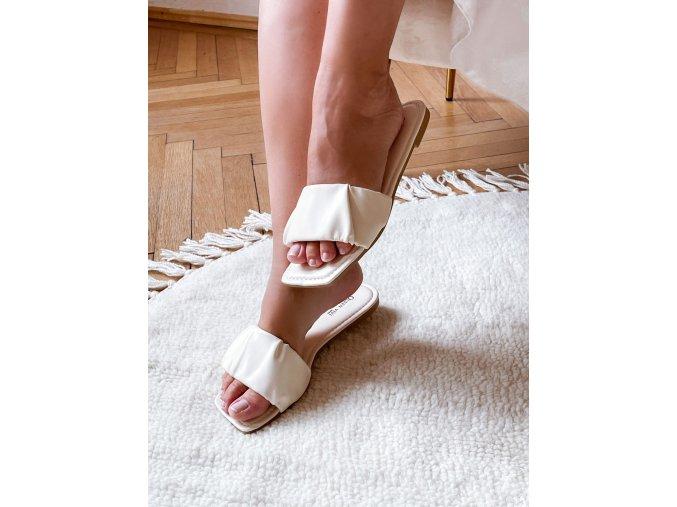 Pantofle v krémové barvě (Veľkosť 41)