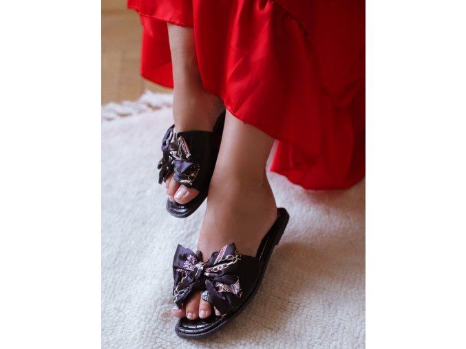 Černé pantofle s mašlí (Veľkosť 41)