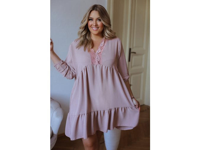 Krátké volné šaty s tříčtvrtečním rukávem a krajkou - bledě růžová (Veľkosť L/XL)