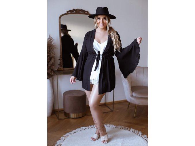 Černé kimono se širokými rukávy a páskem (Veľkosť L/XL)