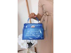 18035 2 modra transparentna kabelka s napisom