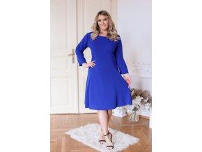 Modré šaty áčkového střihu