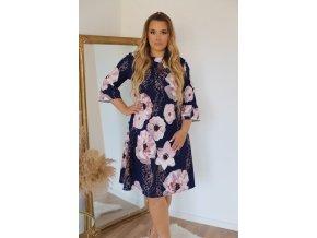 Tmavomodré šaty s růžovými květy a jemným volánem na rukávu (Veľkosť XXXL)