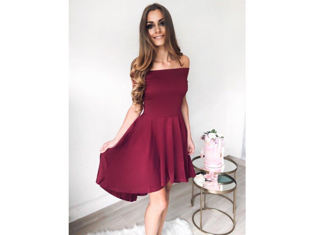 a5956e841eeb Asymetrické koktejlové šaty v bordovej