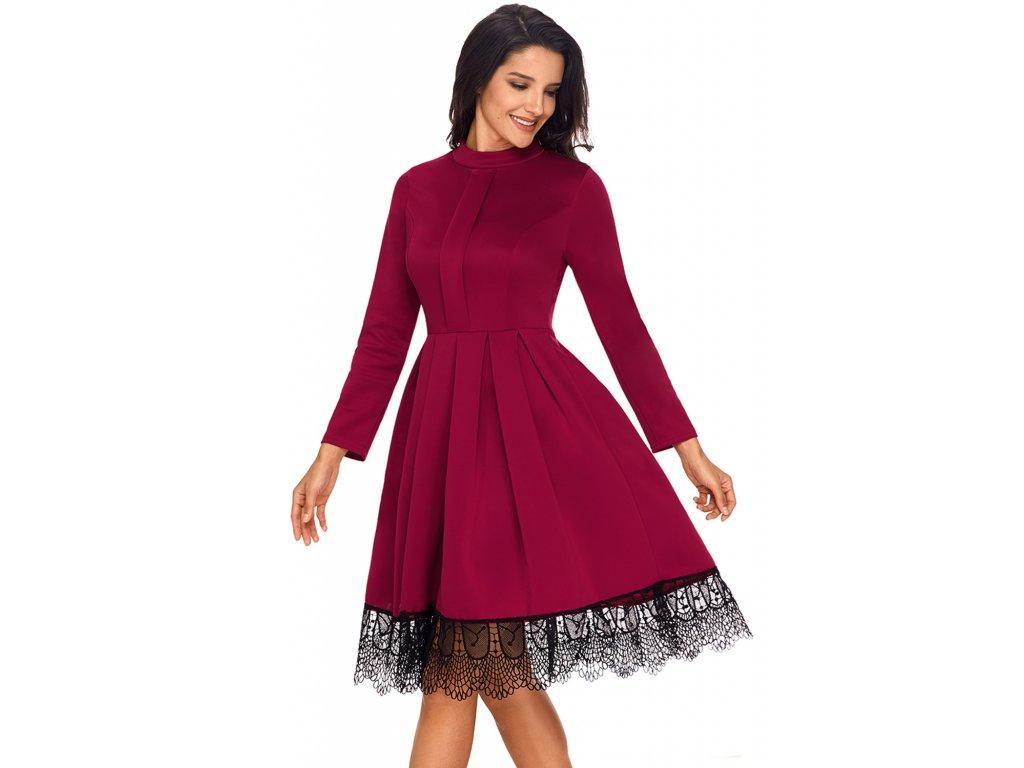 cf406ff6d71 ... Bordové šaty s dlhým rukávom a krajkou na sukni ...