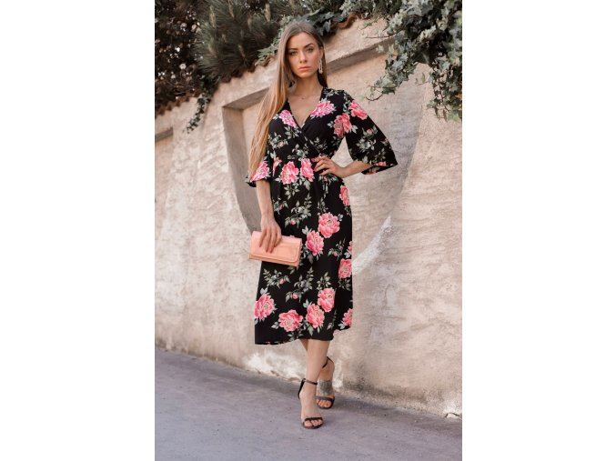 Čierne kvetinové šaty pod kolená