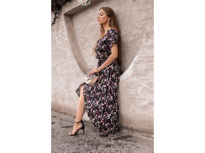 Čierne kvetinové zavinovacie šaty
