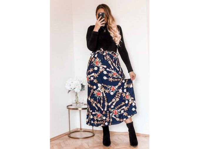 Tmavo-modrá sukňa s kvetinami