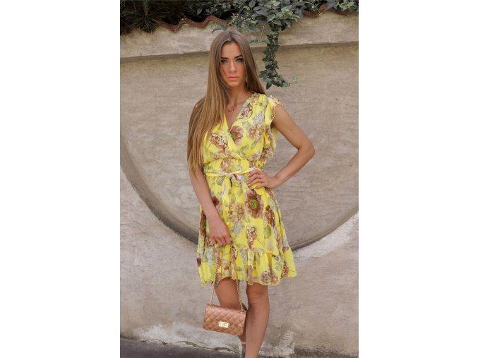 Krátke kvetinové šaty v žltej