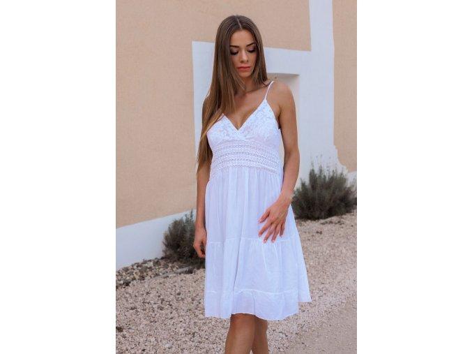 Biele šaty na ramienka s čipkou