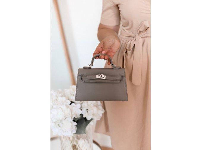 Trendy mini kabelka v sivej