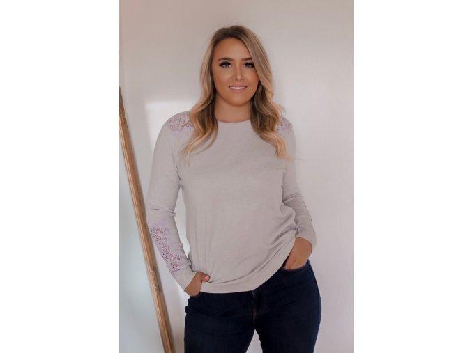 Svetlo-sivý sveter s čipkou