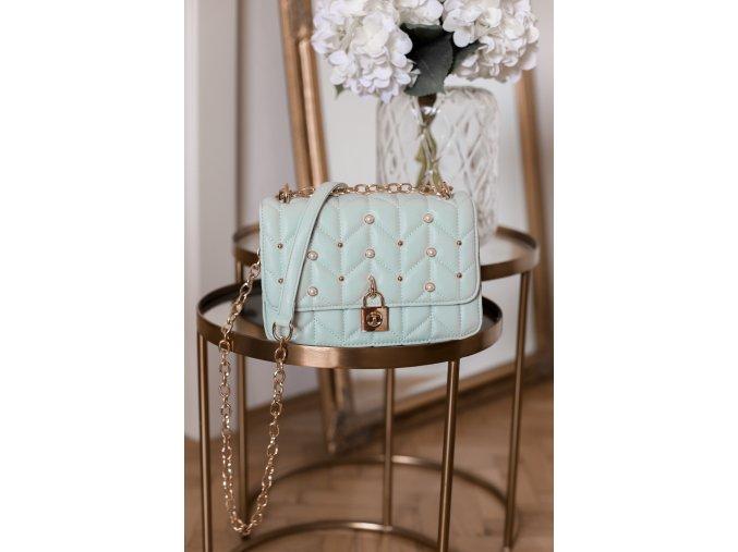 Béžová kabelka s perličkami v mentolovej farbe
