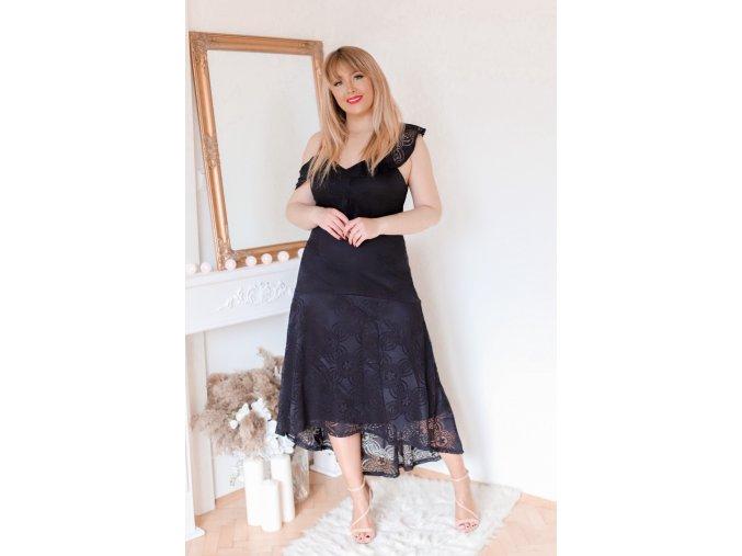 Asymetrické čierne čipkované šaty