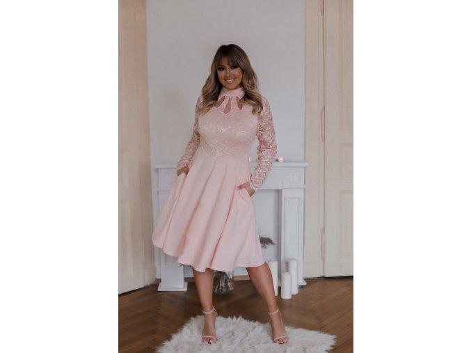 Broskyňovo-ružové šaty s dlhým rukávom