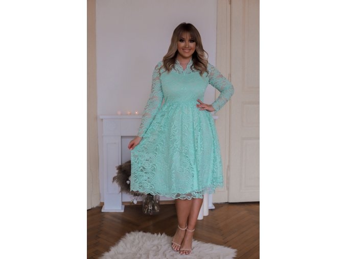Čipkované šaty v mentolovej farbe