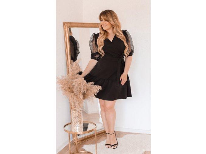 Čierne zavinovacie šaty s puffovými rukávmi