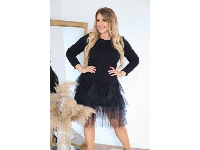 Čierne krátke šaty s tylovou sukňou
