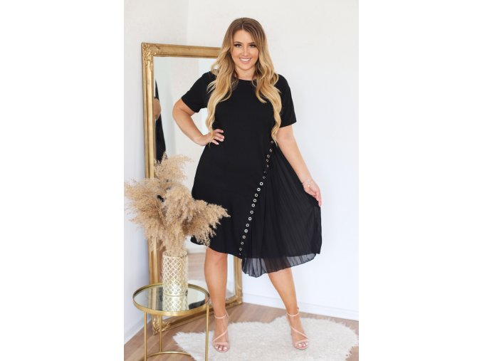 Pohodlné čierne šaty s krátkym rukávom