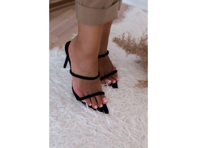 Čierne sandále na vysokom podpätku