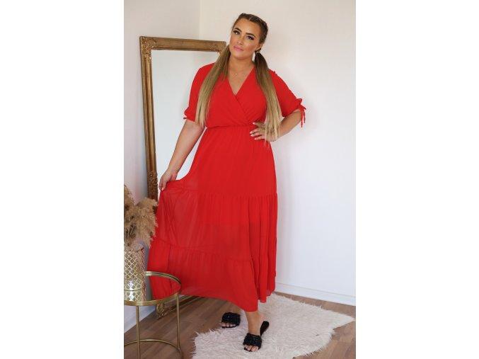 Dlhé šaty s krátkym rukávom v červenej