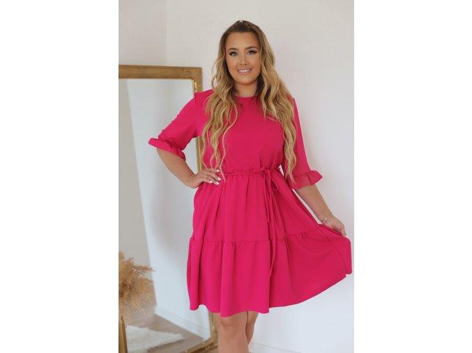 Krátke šaty s prešívanou sukňou a opaskom - ružová