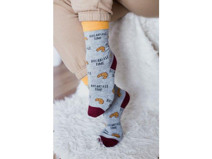Sivé ponožky Breakfast time