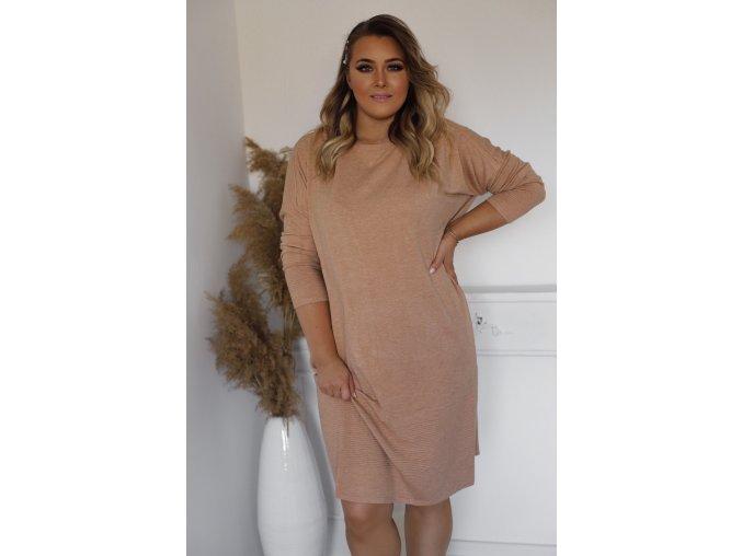 Voľné svetrové šaty v svetlo-hnedej