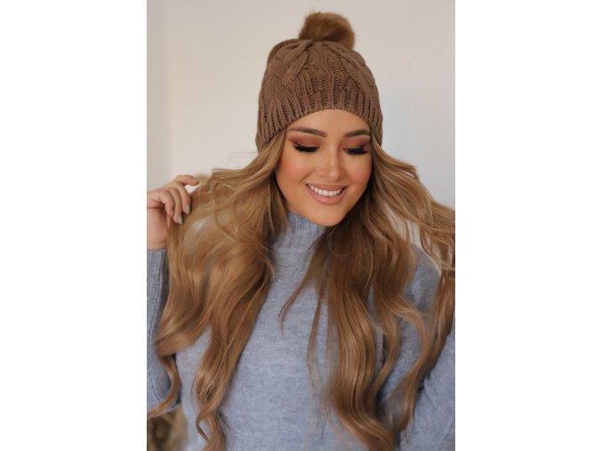 Hnedá pletená čiapka s brmbolcom