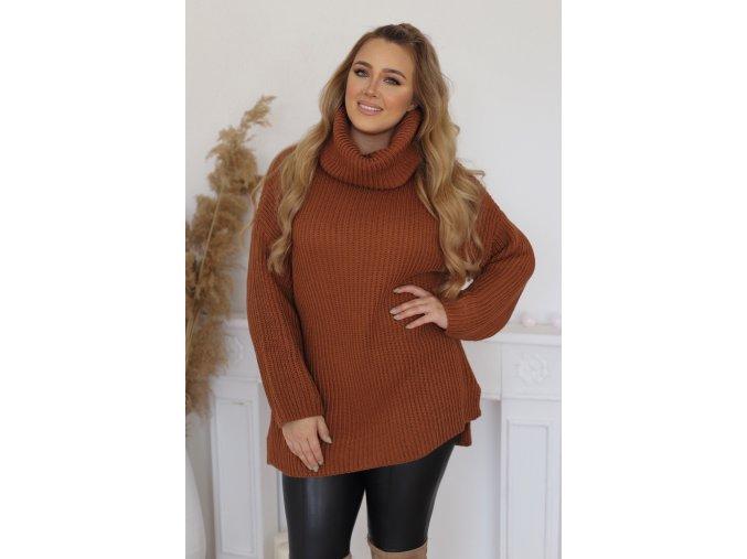 Voľný oversize rolákový sveter v škoricovo-hnedej