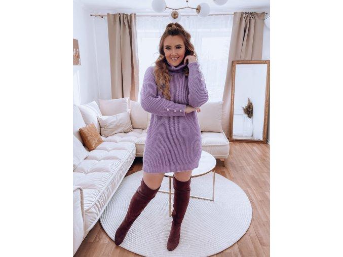 Rolákový sveter vo fialovej