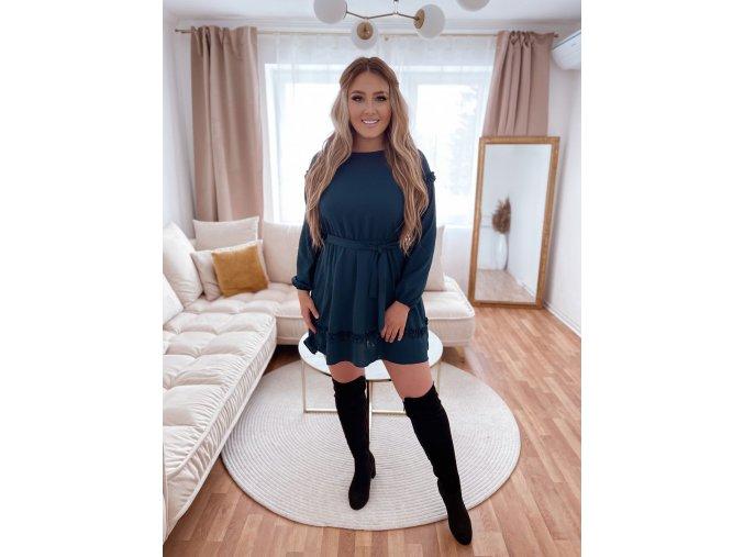 Krátke šaty s dlhým rukávom a opaskom