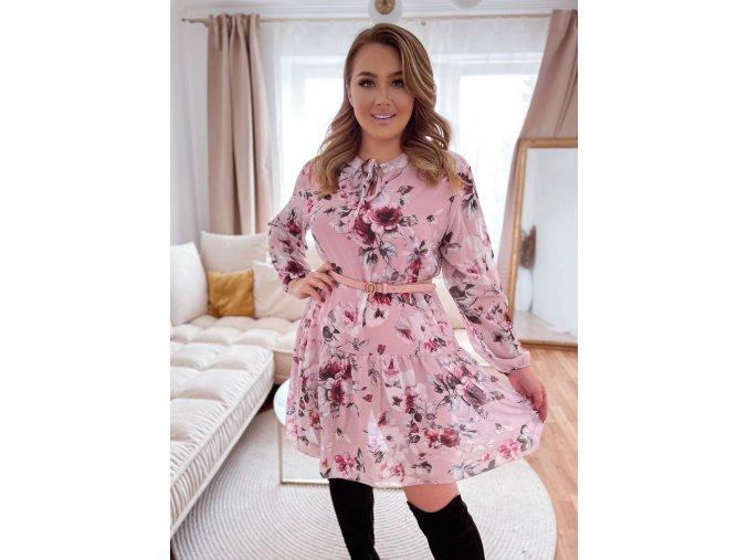Krátke kvetinové šaty v svetlo ružovej