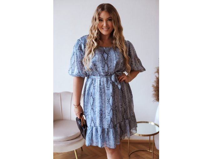 Svetlo modré šaty so zvieracou potlačou a opaskom