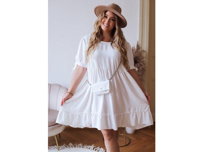 Krátke prešívané šaty s mini kabelkou v bielej