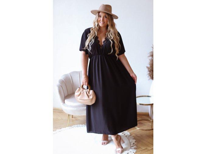Dlhé šaty s hlbokým výstrihom v čiernej